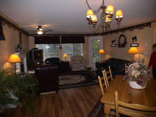 "Photo 7: 208 5450 208TH Street in Langley: Langley City Condo for sale in ""MONTGOMERY GATE"" : MLS®# F1022244"