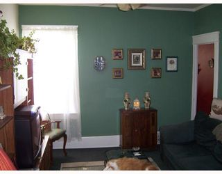 Photo 2: 366 ALFRED Avenue in WINNIPEG: North End Residential for sale (North West Winnipeg)  : MLS®# 2817640