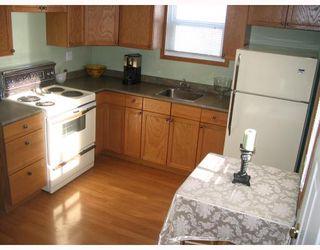 Photo 5: 1032 BOSTON Avenue in WINNIPEG: Fort Garry / Whyte Ridge / St Norbert Residential for sale (South Winnipeg)  : MLS®# 2901158