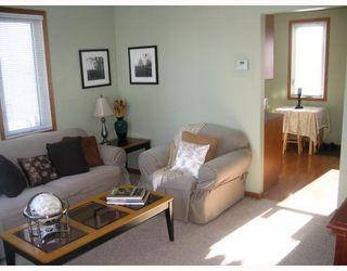 Photo 3: 1032 BOSTON Avenue in WINNIPEG: Fort Garry / Whyte Ridge / St Norbert Residential for sale (South Winnipeg)  : MLS®# 2901158