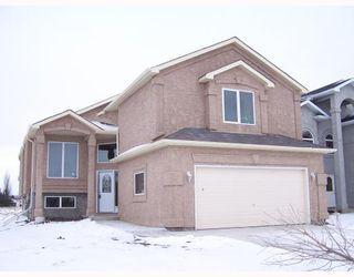 Main Photo: 101 KHALSA Street in WINNIPEG: Maples / Tyndall Park Residential for sale (North West Winnipeg)  : MLS®# 2821025