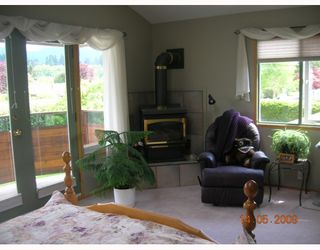 """Photo 6: 1367 COTTONWOOD in North_Vancouver: Norgate House for sale in """"NORGATE"""" (North Vancouver)  : MLS®# V766908"""
