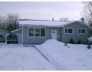 Photo 1: 69 STOCKDALE Street in WINNIPEG: Charleswood Residential for sale (South Winnipeg)  : MLS®# 2802679