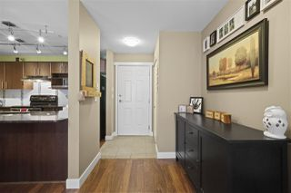 "Photo 5: 305 19366 65 Avenue in Surrey: Clayton Condo for sale in ""Liberty"" (Cloverdale)  : MLS®# R2397315"