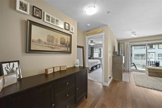 "Photo 4: 305 19366 65 Avenue in Surrey: Clayton Condo for sale in ""Liberty"" (Cloverdale)  : MLS®# R2397315"