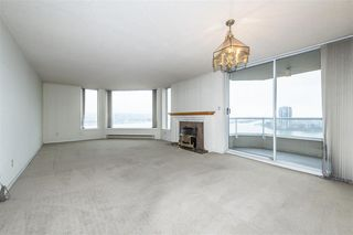 """Photo 2: 1404 1065 QUAYSIDE Drive in New Westminster: Quay Condo for sale in """"Quayside Tower 2"""" : MLS®# R2435986"""