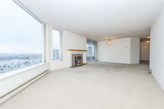 """Photo 3: 1404 1065 QUAYSIDE Drive in New Westminster: Quay Condo for sale in """"Quayside Tower 2"""" : MLS®# R2435986"""