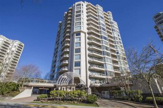 """Photo 1: 1404 1065 QUAYSIDE Drive in New Westminster: Quay Condo for sale in """"Quayside Tower 2"""" : MLS®# R2435986"""