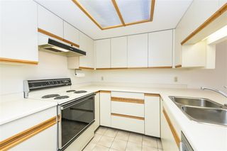 """Photo 6: 1404 1065 QUAYSIDE Drive in New Westminster: Quay Condo for sale in """"Quayside Tower 2"""" : MLS®# R2435986"""