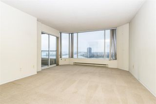 """Photo 8: 1404 1065 QUAYSIDE Drive in New Westminster: Quay Condo for sale in """"Quayside Tower 2"""" : MLS®# R2435986"""