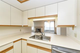 """Photo 7: 1404 1065 QUAYSIDE Drive in New Westminster: Quay Condo for sale in """"Quayside Tower 2"""" : MLS®# R2435986"""