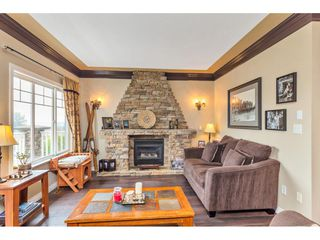 Photo 3: 8021 LITTLE Terrace in Mission: Mission BC House for sale : MLS®# R2475487