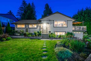 Photo 1: 411 DELMONT Street in Coquitlam: Coquitlam West House for sale : MLS®# R2477098