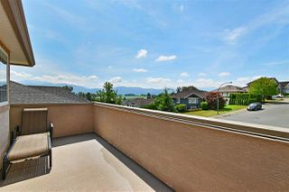 Photo 2: 36349 COUNTRY Place in Abbotsford: Abbotsford East House for sale : MLS®# R2489555