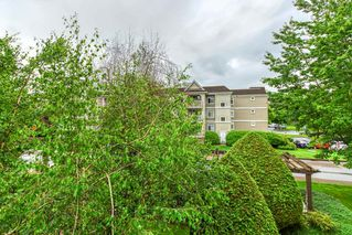 """Photo 17: 202 20897 57 Avenue in Langley: Langley City Condo for sale in """"Arbour Lane"""" : MLS®# R2490490"""