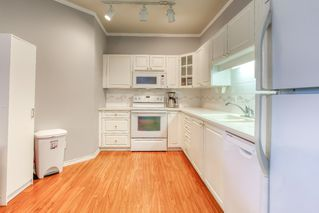 """Photo 6: 202 20897 57 Avenue in Langley: Langley City Condo for sale in """"Arbour Lane"""" : MLS®# R2490490"""