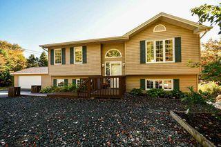 Photo 1: 201 Wilson Lake Drive in Middle Sackville: 26-Beaverbank, Upper Sackville Residential for sale (Halifax-Dartmouth)  : MLS®# 202020646