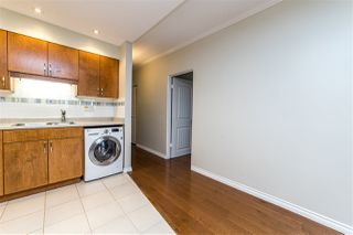 "Photo 12: 504 2187 BELLEVUE Avenue in West Vancouver: Dundarave Condo for sale in ""SUFFSIDE TOWERS"" : MLS®# R2518277"