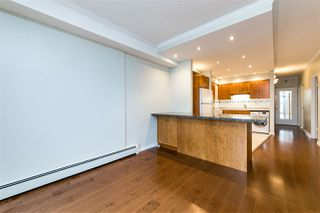 "Photo 13: 504 2187 BELLEVUE Avenue in West Vancouver: Dundarave Condo for sale in ""SUFFSIDE TOWERS"" : MLS®# R2518277"