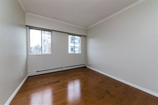 "Photo 16: 504 2187 BELLEVUE Avenue in West Vancouver: Dundarave Condo for sale in ""SUFFSIDE TOWERS"" : MLS®# R2518277"