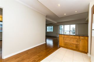"Photo 14: 504 2187 BELLEVUE Avenue in West Vancouver: Dundarave Condo for sale in ""SUFFSIDE TOWERS"" : MLS®# R2518277"