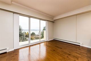 "Photo 5: 504 2187 BELLEVUE Avenue in West Vancouver: Dundarave Condo for sale in ""SUFFSIDE TOWERS"" : MLS®# R2518277"