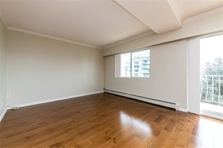 "Photo 7: 504 2187 BELLEVUE Avenue in West Vancouver: Dundarave Condo for sale in ""SUFFSIDE TOWERS"" : MLS®# R2518277"