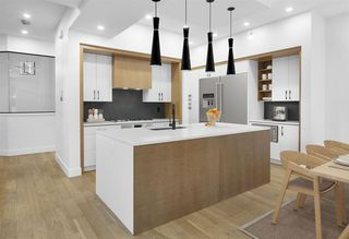 Photo 3: 10812 59 Avenue in Edmonton: Zone 15 House for sale : MLS®# E4221513