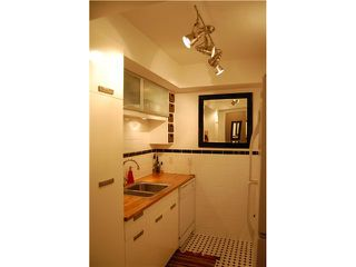 """Photo 3: 220 210 W 2ND Street in North Vancouver: Lower Lonsdale Condo for sale in """"VIEWPOINT"""" : MLS®# V924924"""