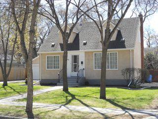 Photo 2: 90 Linden Avenue in Winnipeg: East Kildonan Residential for sale (North East Winnipeg)