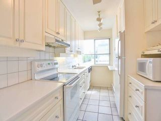 "Photo 2: 10 4957 57TH Street in Ladner: Hawthorne Townhouse for sale in ""THE OASIS"" : MLS®# V1065922"