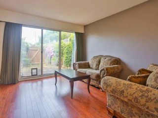 "Photo 4: 10 4957 57TH Street in Ladner: Hawthorne Townhouse for sale in ""THE OASIS"" : MLS®# V1065922"