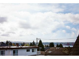 "Photo 4: 657 ST ANDREWS Avenue in North Vancouver: Lower Lonsdale Townhouse for sale in ""CHARLTON COURT"" : MLS®# V1066090"