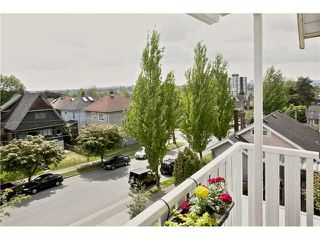 "Photo 1: 406 1623 E 2ND Avenue in Vancouver: Grandview VE Condo for sale in ""GRANDVIEW MANOR"" (Vancouver East)  : MLS®# V1066564"