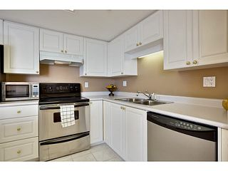 "Photo 11: 2005 719 PRINCESS Street in New Westminster: Uptown NW Condo for sale in ""Stirling Place"" : MLS®# V1109725"