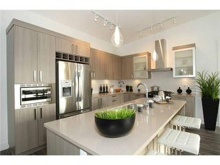 """Photo 6: 106 22327 RIVER Road in Maple Ridge: East Central Condo for sale in """"REFLECTIONS ON THE RIVER"""" : MLS®# V1133989"""