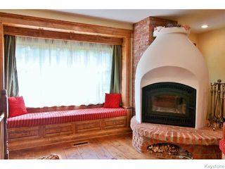 Photo 2: 589 Gareau Street in WINNIPEG: St Boniface Residential for sale (South East Winnipeg)  : MLS®# 1525303