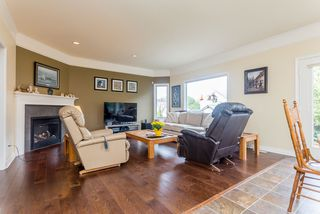 "Photo 9: 21555 47B Avenue in Langley: Murrayville House for sale in ""Macklin Corners"" : MLS®# R2040305"