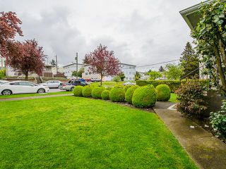 Photo 2: 1384 E 63RD Avenue in Vancouver: South Vancouver House for sale (Vancouver East)  : MLS®# R2057224