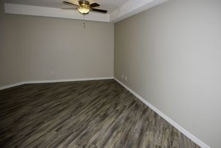 """Photo 4: 128 8500 ACKROYD Road in Richmond: Brighouse Condo for sale in """"WESTHAMPTON COURT"""" : MLS®# R2079873"""