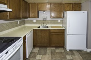 """Photo 5: 128 8500 ACKROYD Road in Richmond: Brighouse Condo for sale in """"WESTHAMPTON COURT"""" : MLS®# R2079873"""