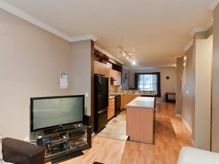 "Photo 3: 43 5839 PANORAMA Drive in Surrey: Sullivan Station Townhouse for sale in ""Forest Gate"" : MLS®# R2090046"