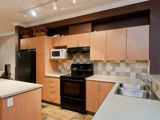 "Photo 4: 43 5839 PANORAMA Drive in Surrey: Sullivan Station Townhouse for sale in ""Forest Gate"" : MLS®# R2090046"