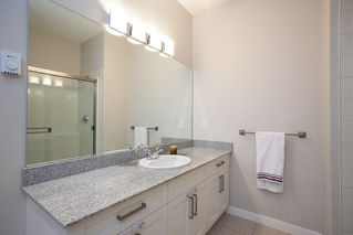 "Photo 12: 601 1212 MAIN Street in Squamish: Downtown SQ Condo for sale in ""Aqua"" : MLS®# R2096454"