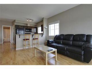 Photo 5: 2401 43 COUNTRY VILLAGE Lane NE in Calgary: Single Level Apartment for sale : MLS®# C3517369