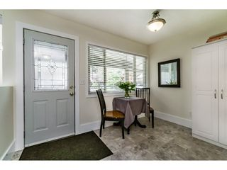"Photo 3: 15740 MCBETH Road in Surrey: King George Corridor Townhouse for sale in ""ALDERWOOD"" (South Surrey White Rock)  : MLS®# R2110613"