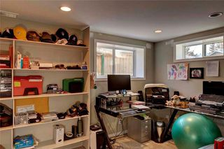 Photo 22: 79 WOODLARK Drive SW in Calgary: Wildwood House for sale : MLS®# C4093844