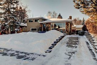 Photo 2: 79 WOODLARK Drive SW in Calgary: Wildwood House for sale : MLS®# C4093844