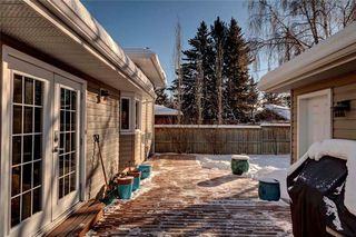 Photo 29: 79 WOODLARK Drive SW in Calgary: Wildwood House for sale : MLS®# C4093844