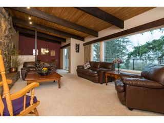 Photo 3: 5627 CLARK Drive in Delta: Sunshine Hills Woods House for sale (N. Delta)  : MLS®# R2141551